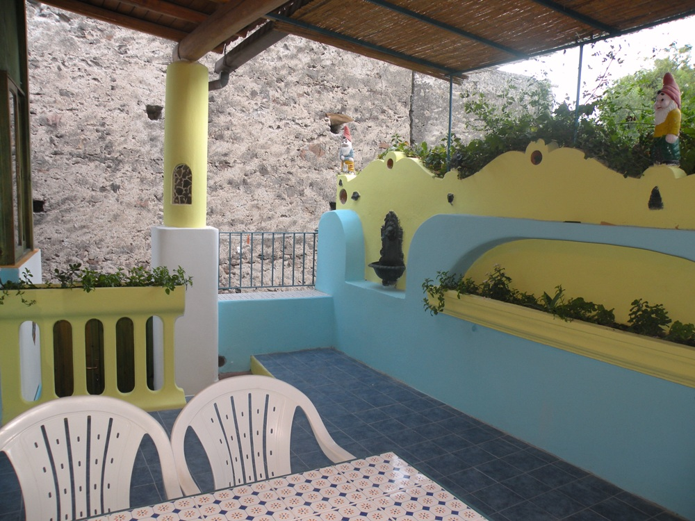 Eolo casa vacanze lipari case vacanze eolie for Appartamenti lipari
